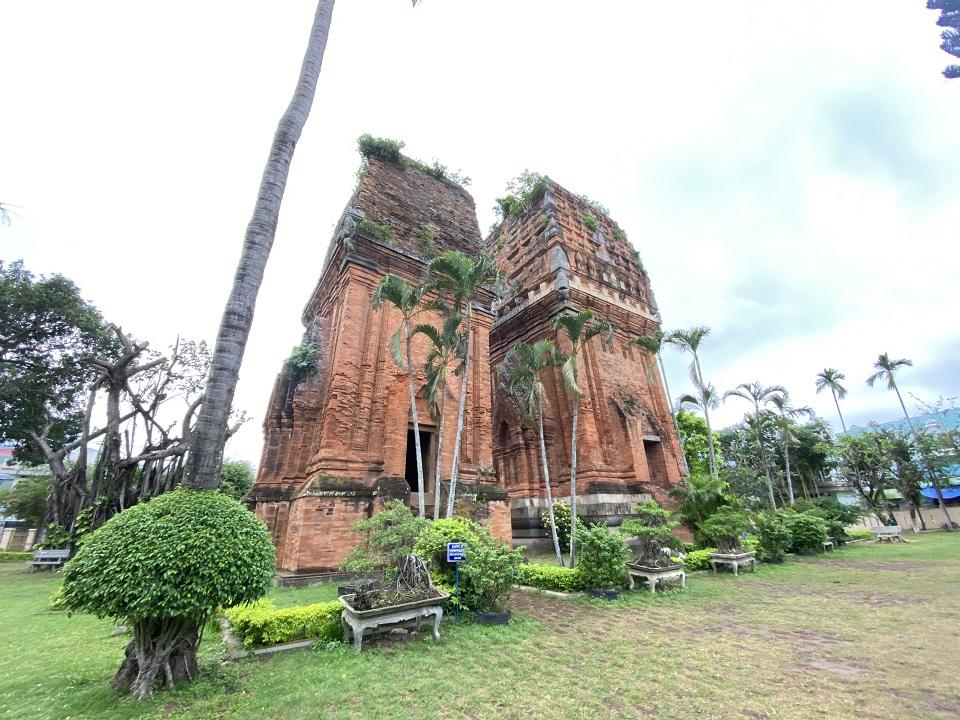 Tháp Đôi nét đẹp văn hóa Chăm ở Quy Nhơn